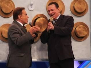 Raul Gil se diverte com José Messias