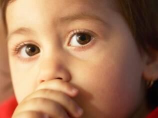 Chupar o dedo: reprimir o ato não ajuda a criança a largar o hábito