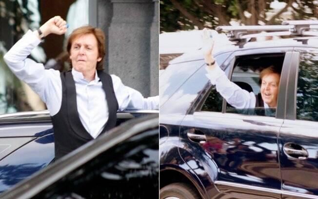 O cantor britânico levou os fãs ao delírio ao passar de carro com os vidros abertos