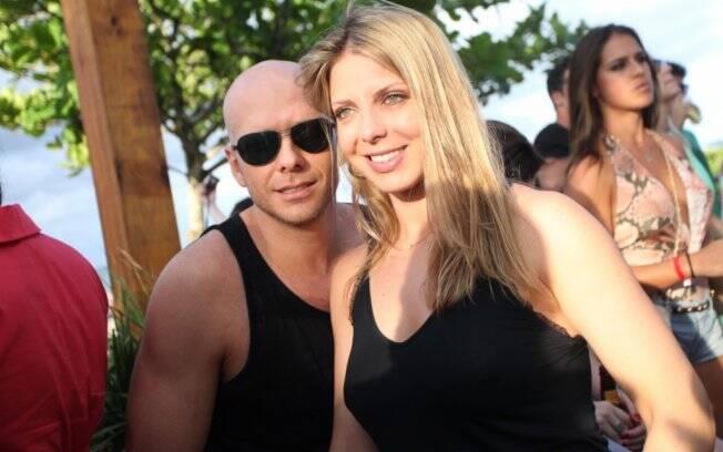 Fernando Scherer, o Xuxa, com a mulher, Sheila Mello. A loira chegou a fazer algumas participações em novelas do canal.