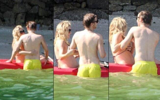 Kate brinca com o namorado, Matthew Bellamy