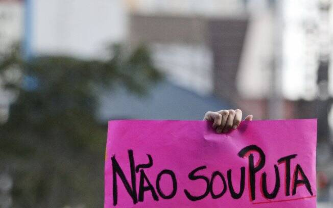 Manifestantes levaram cartazes para protestar contra o machismo