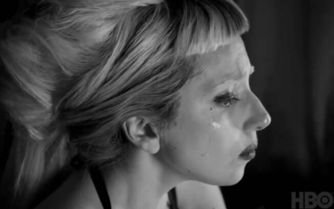 Lady Gaga chora em documentário sobre sua vida: