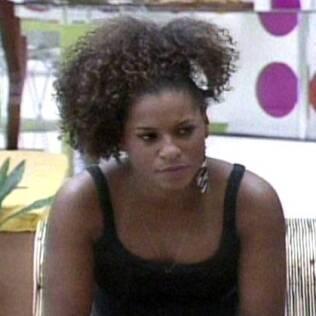 Janaina explica porque parou de tomar anabolizantes