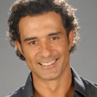 Marcos Pasquim é Abner