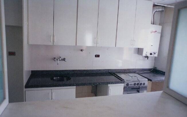 Bancada e divisória para a área de serviço no projeto original da cozinha