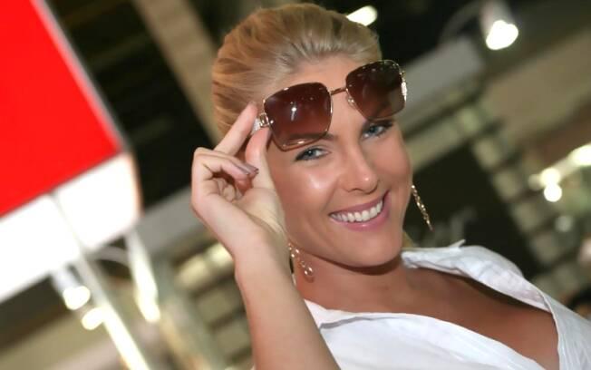 Ana Hickmann prepara linha de luxo
