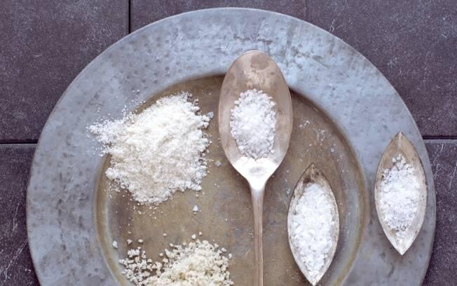 Sal: ele dá sabor e textura aos alimentos, mas não deve ser consumido em excesso