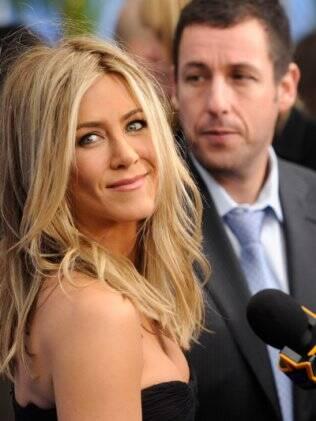 Jennifer Aniston e Adam Sandler na première de