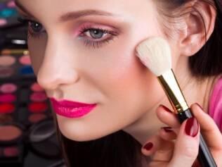 Conheça os truques dos maquiadores