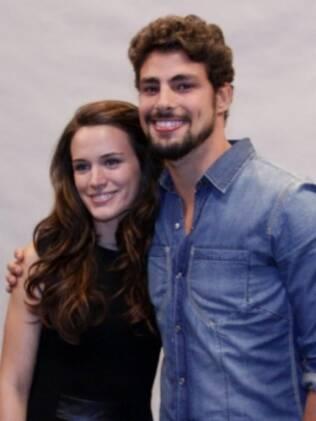 Cauã Reymond e Bianca Bin formam o par romântico da trama