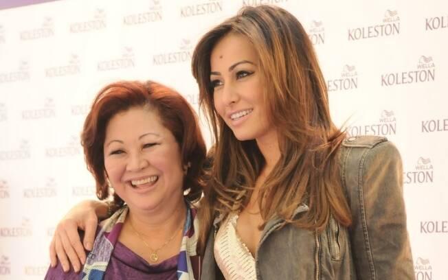 Sabrina Sato e a mãe, Dona Kika: