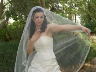 Iman: vestido tomara-que-caia apenas na festa