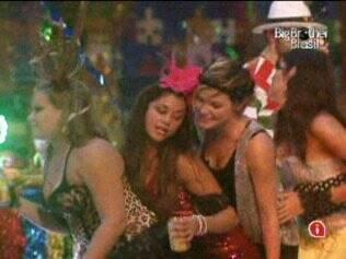 Sisters curtem a Festa Carnaval