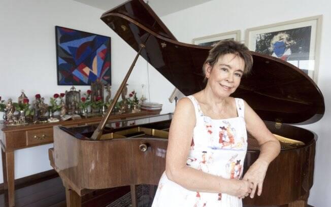 Conceição Cipolatti em seu apartamento em São Paulo