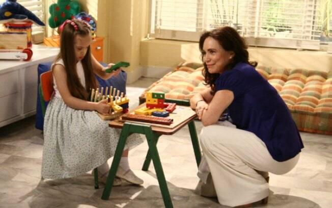Helena (Regina Duarte) e Clara (Joana Mocarzel) em
