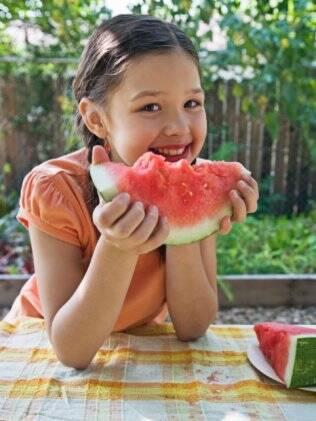 Manter a alimentação saudável pode mais difícil durante as férias de inverno, mas é necessário para reforçar a imunidade das crianças