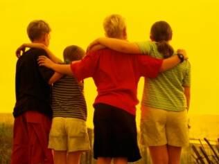 Convivência entre irmãos: proteção e entendimento devem ser estimulados pelos pais desde a infância