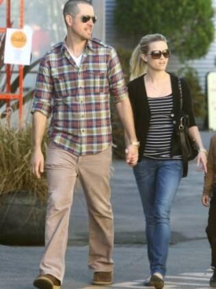 Reese Witherspoon e Jim Toth: noivado após um ano de namoro
