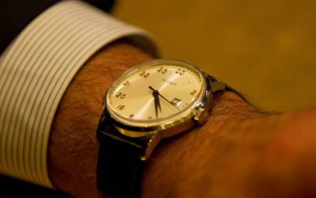 01e5c284742 O conhecido restaurateur lança um relógio para os que adoram a noite e já  pensa em outro interessante projeto