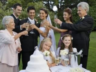 Crianças não são bem-vindas em algumas festas de casamento