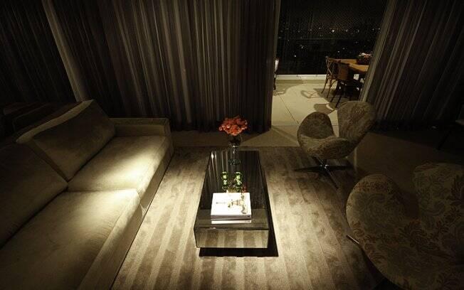 O efeito da luminosidade também pode ser causado pelos móveis revestidos com espelho