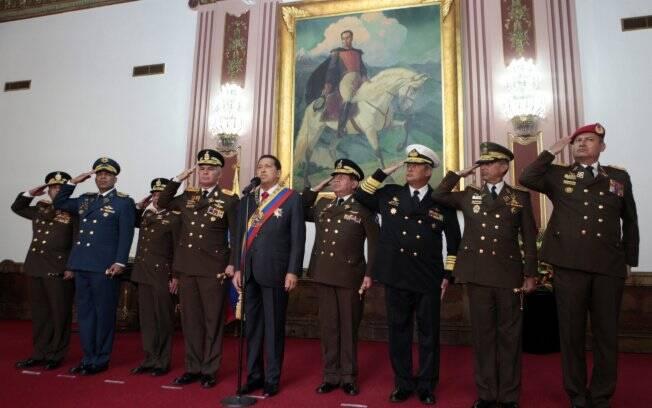 Resultado de imagem para Chávez e a unidade  cívico militar