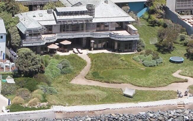 Casa que o jogador David Beckham alugou em Malibu para passar as férias com a família