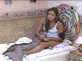 Natália aconselha Adriana a ficar calma no jogo