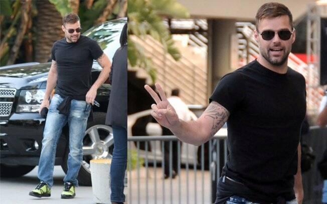 Ricky Martin passeia pela Califórnia