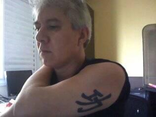 Hamilton Vianna resolveu se tatuar depois de ver a namorada fazer o mesmo