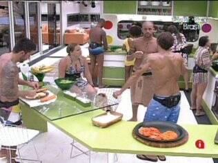 Brothers preparam almoço