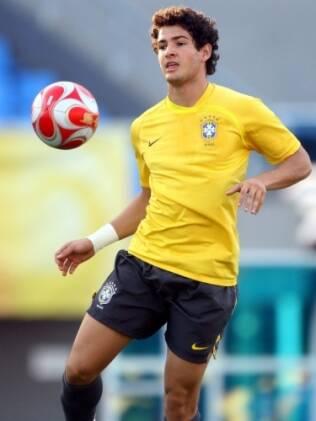 Alexandre Pato no treino da Seleção Brasileira