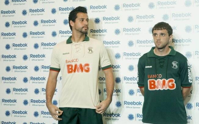6c5c8b4664 Cruzeiro lança terceiro uniforme inspirado no Palestra Itália ...