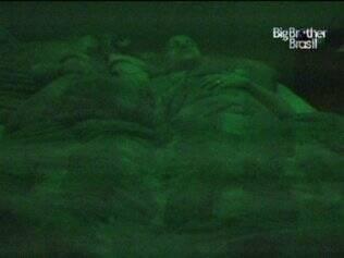 Maria e Diogo dormem juntos no Lado B