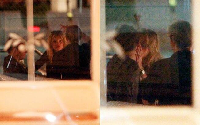 Kate Moss e Jamie Hince no bar do Copacabana Palace