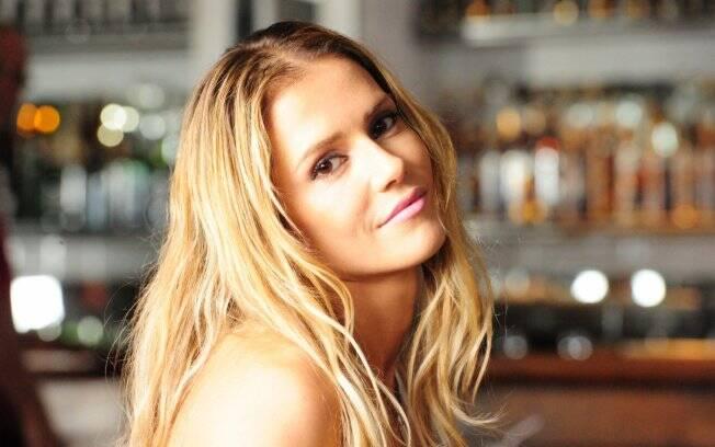 Natalie Lamour: Quer casar com homem rico e subir na vida