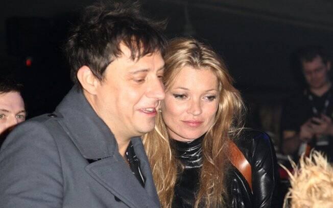 Kate Moss e Jamie Hince: acordo pré-nupcial protege o patrimônio da milionária modelo