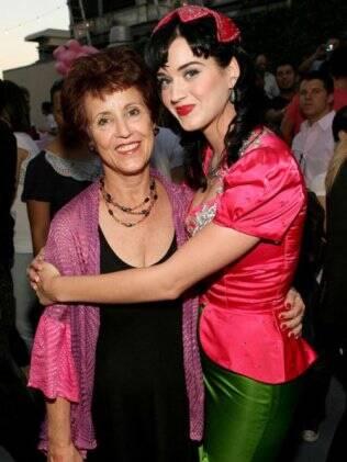 Katy Perry e a mãe, Mary Hudson: reprovação