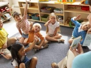 Mães trabalham 19 horas a mais por semana quando os filhos frequentam pré-escola