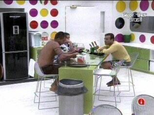 Diogo, Talula e Daniel conversam sobre votos