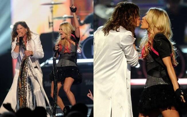 Steven Tyler dá selinho na cantora Carry Underwood