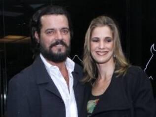Felipe Camargo e Malu Guimarães no lançamento da novela