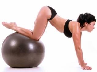 Exercícios intensos ou executados de forma incorreta podem levar à dor na região do bumbum, o que exige tratamento
