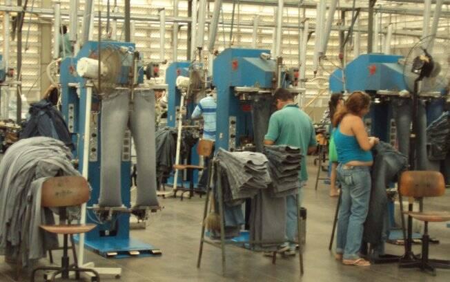0015f62ac Por dentro de uma fábrica de roupas - Moda No Mundo - iG