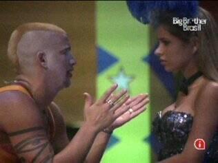 Diogo dá conselhos a Adriana