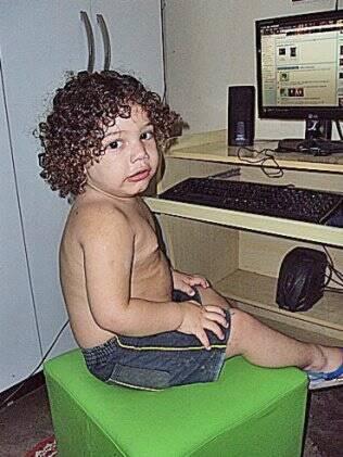 Ryan tem perfil no Orkut desde 1 ano de idade, administrado pela mãe, Karla