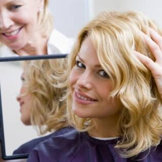 Técnica e produtos de qualidade garantem resultados diferenciados nos salões de beleza