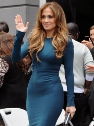 Jennifer Lopez mostra suas curvas em Los Angeles