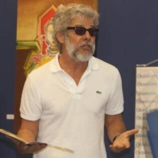 José Mayer com a barba com o qual será visto na tela da Globo e no Oi Casa Grande